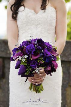 purple brides bouquet
