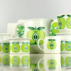 Vintage Dishware, Kitchenware, Tableware, Garden Deco, Displaying Collections, Vintage Fabrics, Retro Design, Finland, Scandinavian