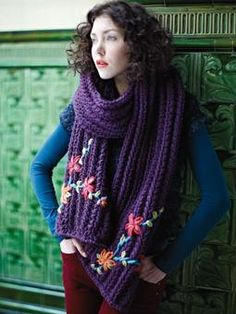 Knit this fashion super-length rib scarf with flower and leaf embroidery details from Easy Winter Knits. A design by Martin Storey using Big Wool, one of our most popular chunky yarns made from 100% wool. This pattern is suitable for beginners.
