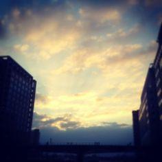 #canarywharf #sunset #London #rkoi #justafterwork #amazing #clouds #sky by matt__85
