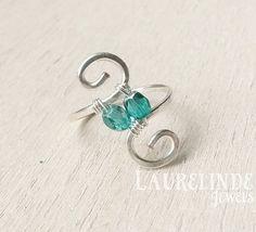 Sterling zilver wire ring, zilver en groene spiraal ring Eyan, symmetrische ring
