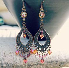 Boheemse kroonluchter oorbellen, Vintage Jewel, oranje roze oorbellen van ebben hout Antiek koper, Boho Dangle Oorbellen