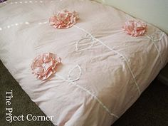 diy duvet cover - this would be so awesome for my little girl ♥