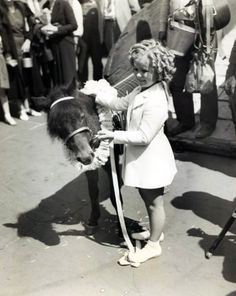 Shirley Temple, 1936