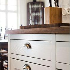 Klassinen keittiö 07 Nightstand, Table, Furniture, Home Decor, Decoration Home, Room Decor, Bedside Cabinet, Night Stands, Tables