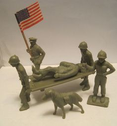 TIM MEE MEDICAL TEAM NURSE FLAG BEARER DOG STRETCHER 60MM MARX LIKE TOY SOLDIERS #TIMMEE