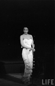 "wehadfacesthen: ""Dorothy Dandridge, in her nightclub act "" Vintage Hollywood, Old Hollywood Glamour, Classic Hollywood, Hollywood Icons, Hollywood Stars, Dorothy Dandridge, Vintage Black Glamour, Vintage Beauty, Vintage Fashion"