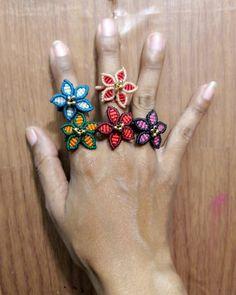 Macrame Rings, Macrame Jewelry, Kid Art, Art For Kids, Art Crafts, Arts And Crafts, Micro Macrame, Diy Costumes, Jewerly