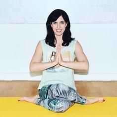 Kathrin ist zweifache Mama, Yoga-Lehrerin für Prä- und Postnatalyoga, Journalistin und Bloggerin. Auf ihrem großartigen Blog MOMazing schreibt sie über Yoga und Meditation für Eltern und die, es erst noch werden wollen. Wir haben mit ihr über Yoga für Mamas, Papas und Mini-Buddhas gesprochen.    Warum sollten Eltern Yoga machen? Kathrin: Yoga ist aus meiner Sicht eine tolle Art, um  ...