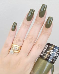 50 Beautiful Nail Design Ideas You Should Try Today - Millions Grace Diy Nails, Cute Nails, Pretty Nails, Beautiful Nail Designs, Cool Nail Designs, American Nails, Nagel Gel, Green Nails, Perfect Nails