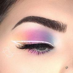 》》》 @ Ɪsɪ Pastellfarbenes Lidschatten-Make-up mit . - Makeup - 》》》 @ Ɪsɪ Pastel colored eyeshadow make-up with . - Makeup - @ Ɪsɪ Pastel-colored eyeshadow make-up with . Glitter Makeup Looks, Makeup Eye Looks, Eye Makeup Art, Crazy Makeup, Eyeshadow Makeup, Applying Eyeshadow, Colourpop Eyeshadow, Contouring Makeup, Glitter Eye