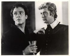 Christopher Plummer as Hamlet and Michael Caine as Horatio in 'Hamlet at Elsinore'