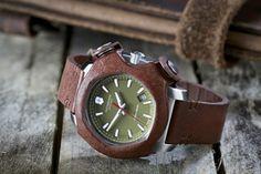 Швейцарские армейские часы Victorinox из столетней кожи