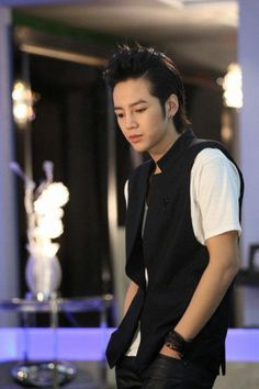 "Jang Keun Suk as Hwang Tae Kyung in ""You're Beautiful"""