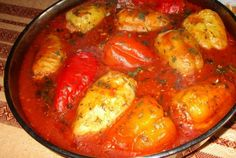 Romanian Food, Romanian Recipes, Saveur, Ratatouille, Curry, Food And Drink, Healthy Eating, Stuffed Peppers, Dinner
