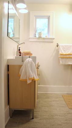 DIY Pom-Pom Trim Towels | DIYNetwork.com