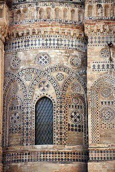 30 ottobre ore 21,00 Micrologus inaugurera la 55 settimana di Musica Sacra di Monreale Il Duomo di Monreale dallo scorso luglio è patrimonio dell'Unesco