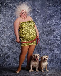 Tch033 - Divine and her bulldogs, Beatrix and Klaus, by Greg Gorman (1983)