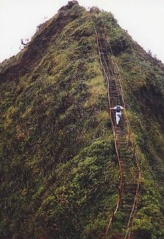 Haiku Stairs (Stairway to Heaven) - Oahu, Hawaii