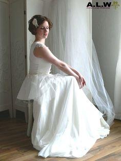 Hochzeitskleider - BARA - Brautoberteil Satin, Spitze & Tüll - ein Designerstück von alw-design bei DaWanda