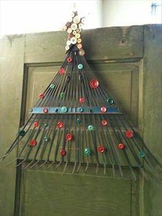 Christmas Door Ornament Recycling Idea Using Old Rake: