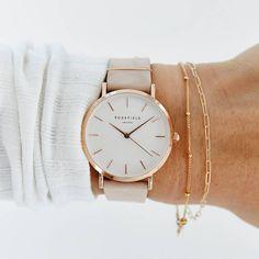 33 Beautiful Bracelet Ideas For women - Page 13 of 33 - MyOwnJewelry - Jewelry Designs & Ideas Dainty Jewelry, Cute Jewelry, Jewelry Accessories, Fashion Accessories, Fashion Jewelry, Trendy Watches, Cute Watches, Wrap Watches, Gold Watches Women