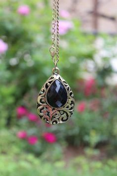 Lovvee vintage jewelry