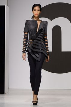 Fashion Details, Fashion Photo, Become A Fashion Designer, Origami Fashion, Cyberpunk Fashion, Jumpsuit Pattern, Sculptural Fashion, Fabric Manipulation, Textiles