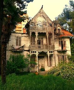 victorian decay - location unknown