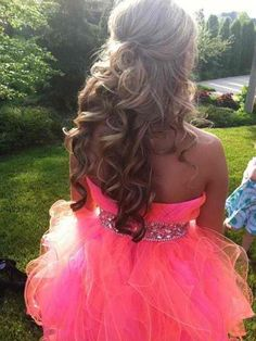 an idea hairstyle for prom!!!!