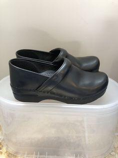 afb5de89314bc Dansko Black Leather Professional Clog Women Size Eur 39 or US 8.5-9M   fashion