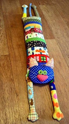 Patchwork Cojines Ideas 18 Ideas For 2019 Sewing Toys, Sewing Crafts, Sewing Projects, Fabric Toys, Fabric Crafts, Cat Crafts, Arts And Crafts, Quilt Patterns, Sewing Patterns