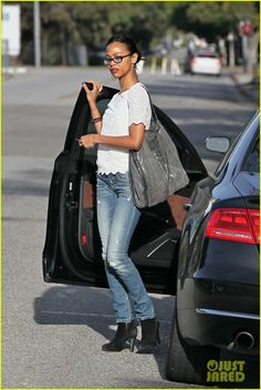 Zoe Saldana: Office Building Visit