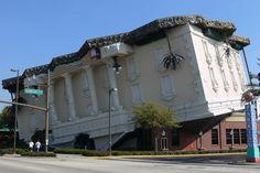 Objetos locos: los edificios más originales del mundo  ¡Por último, una mansión al revés! Se llama Wonderworks y está en Orlando, Florida Foto:http://www.excelsior.com.mx/