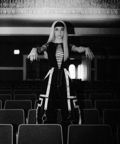 Im Poppy, That Poppy, Poppy Singer, Singer Fashion, Indie Pop, Bob Ross, Divine Feminine, Fashion Show Collection, American Singers