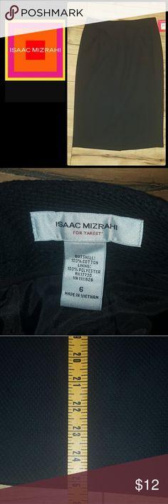 ISAAC MIZRAHI TARGET BLACK PENCIL SKIRT SZ 6 BNWT. BLACK TEXTURED PENCIL SKIRT. PLEASE FEEL FREE TO MAKE AN OFFER!! Isaac Mizrahi Skirts Pencil