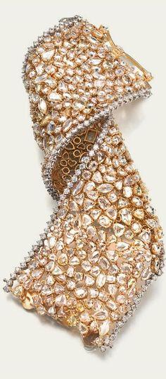 {Diamond Bracelet.Yellow Diamonds. Champagne Diamonds, and White Diamonds in 18k Gold}