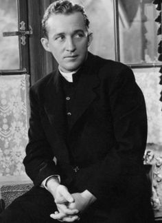 Bing Crosby in his Oscar-winning role as Fr. Chuck O'Malley, in Going My Way. He reprised the role for the film The Bells of St. Mary, and was nominated for an Oscar again, but did not win. Bing Crosby in Going My Way Old Hollywood Stars, Hollywood Actor, Golden Age Of Hollywood, Vintage Hollywood, Classic Hollywood, Old Movie Stars, Classic Movie Stars, Classic Movies, Vintage Movie Stars