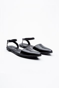 MARIA VOGEL FLATS -LIKHI — BLACK LEATHER