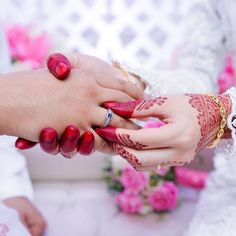 'Any worship motivated by fear or greed is useless.' - His Holiness Younus AlGohar. Couple Photoshoot Poses, Bridal Photoshoot, Couple Shoot, Cute Muslim Couples, Cute Couples, Wedding Rentals, Wedding Venues, Cute Baby Couple, Slot