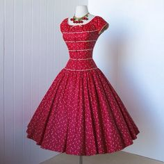 Vintage dress red. As soon as I viewed the dress I smiled. Adorable, the the upper fit and then the flared skirt.