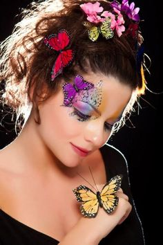 Mother nature/butterfly make-up idea Cool Halloween Makeup, Unique Halloween Costumes, Halloween Make Up, Halloween Festival, Halloween Outfits, Costume Ideas, Butterfly Makeup, Butterfly Kisses, Butterfly Face