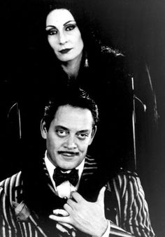 Raul Julia and Angelica Huston played Gomez $ Mortica Addams in the movie.