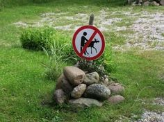 funny-warning-signs-07-620x