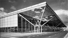 STANSTED INTERNATIONAL AIRPORT, 1981-1991