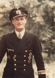 Korvettenkapitän Helmut Möhlmann http://www.historicalwarmilitariaforum.com/topic/6937-ritterkreuztr%C3%A4ger-photos-in-color-thread/
