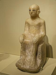 Seated figure Egypt First Intermediate Period 2000 BCE Alabaster   por mharrsch