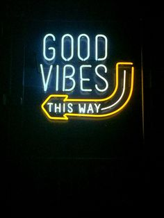 Neon Sign: Good Vibes This Way