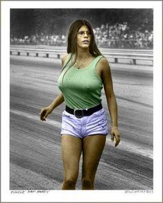 Jungle Pam Hardy the most famous drag racing back up girl ever! Jungle Jim Liberman, Pam Hardy, Linda Vaughn, Jungle Jim's, Nhra Drag Racing, Drag Cars, Vintage Racing, Car Girls, Car Humor