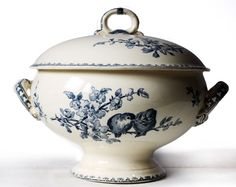 "Beautiful large french SOUP TUREEN Blue BIRDS ""Favori "" Sarreguemines"